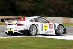 #912 Porsche Team North America Porsche 911 RSR : Jörg Bergmeister, Earl Bamber, Frédéric Makowiecki