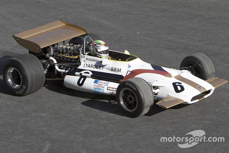 Sergio Pérez , Yardley BRM P153 estrena la pista del Autódromo Hermanos Rodríguez