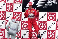 Podium: 1. und Weltmeister 2000: Michael Schumacher, Ferrari; 2. Mika Häkkinen, McLaren