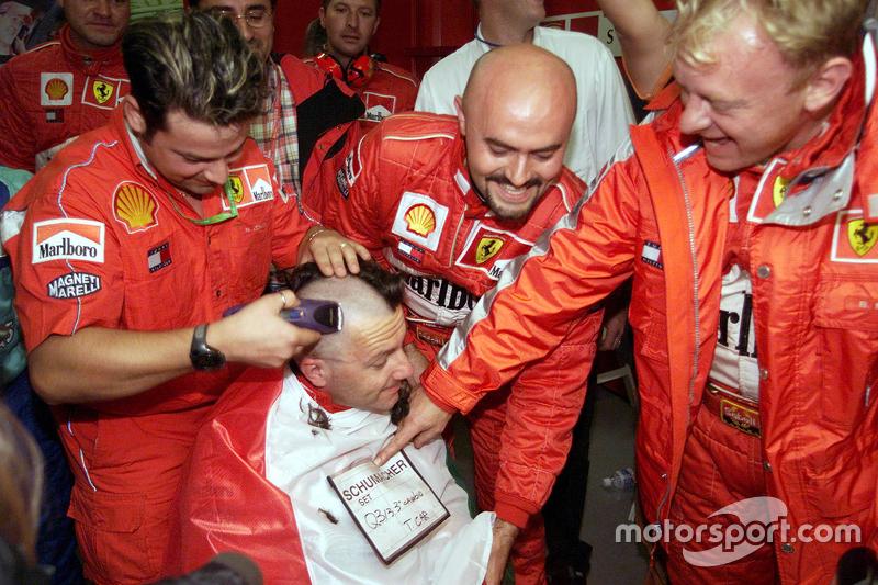 Ferrari viert de wereldtitel van Michael Schumacher