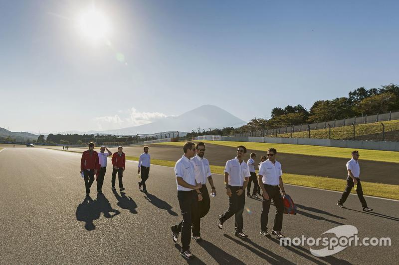 Oliver Jarvis, Lucas di Grassi, Loïc Duval, , Audi Sport Team Joest