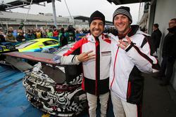 #911 Porsche Team Porsche 911 GT3 R: Nick Tandy, Frédéric Makowiecki celebra su tercer lugar