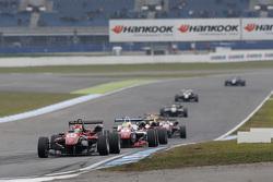 Лэнс Стролл, Prema Powerteam Dallara Mercedes-Benz и Джейк Деннис, Prema Powerteam Dallara Mercedes-Benz