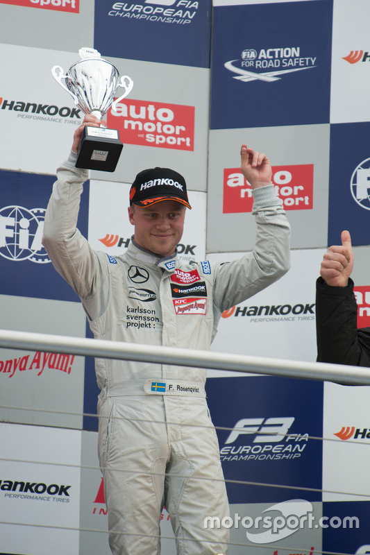 Le troisième de la Course 1 Felix Rosenqvist, Prema Powerteam Dallara Mercedes-Benz