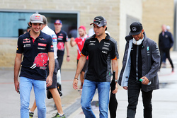 (L to R): Carlos Sainz Jr., Scuderia Toro Rosso with Sergio Perez, Sahara Force India F1 and Lewis Hamilton, Mercedes AMG F2