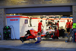 Александер Россі, Manor Marussia F1 Team pit garage. 22.10.2015. Formula 1 World Championship, Rd 16, United States Grand Prix, Austin, Texas, USA, Preparation Day. - www.xpbimages.com, EMail: requests@xpbimages.com - copy of publication required для print