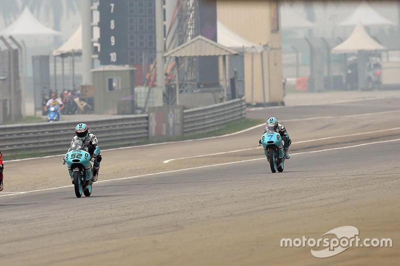 "Moto3 - Danny Kent, Leopard Racing et Efren Vazquez, Leopard Racing (<a href=""http://fr.motorsport.com/moto3/photos/main-gallery/?r=35324"">Galerie</a>)"