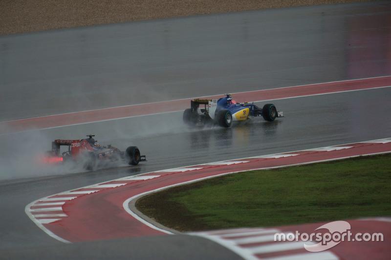 Felipe Nasr, Sauber C34 and Max Verstappen, Scuderia Toro Rosso STR10