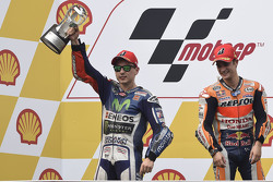 Podio: il vincitore Dani Pedrosa, Repsol Honda Team e il secondo classificato Jorge Lorenzo, Yamaha Factory Racing