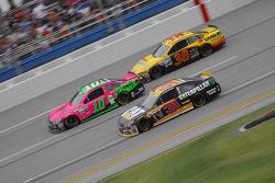 Ryan Newman, Richard Childress Racing Chevrolet; Danica Patrick, Stewart-Haas Racing Chevrolet; Davi