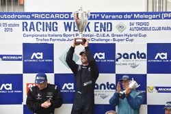 Podio Gara 2: il vincitore Giorgio Mondini, Eurointernational, il secondo classificato Walter Margelli, Nannini Racing, il terzo classificato Filippo Vita, Progetto Corsa