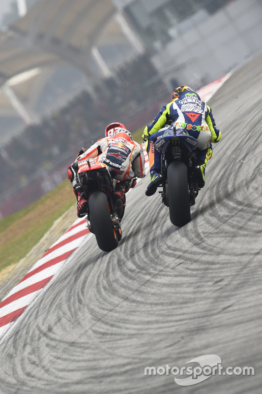 Valentino Rossi e Marc Marquez logo antes do incidente