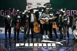 Lewis Hamilton bei einer Wrestling-Veranstaltung in Mexico City
