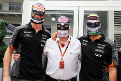 Nico Hulkenberg, Sahara Force India F1 con Nigel Mansell y Sergio Pérez, Sahara Force India F1 usan