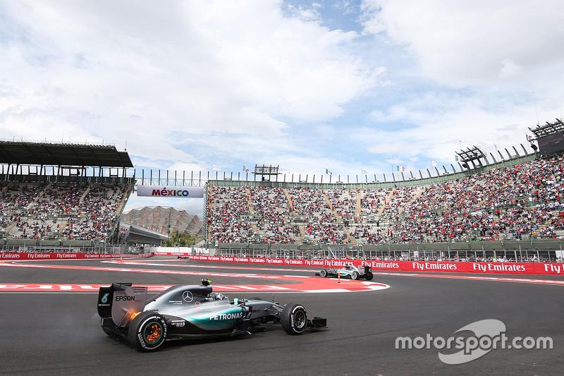 #2: Nico Rosberg mit brennenden Bremsen