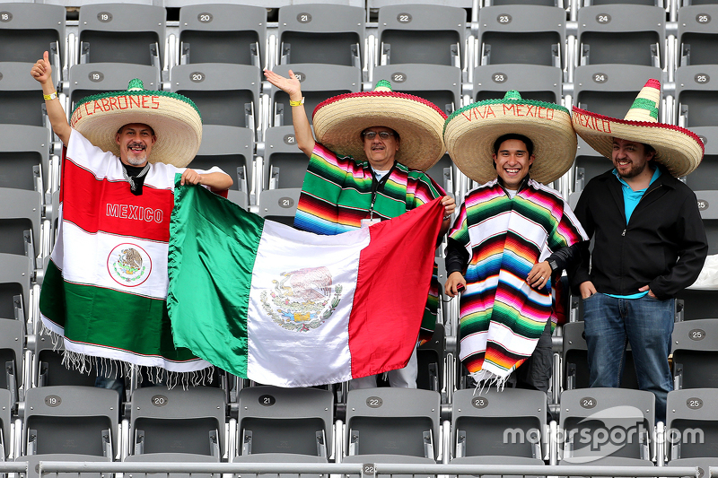 Meksikalı taraftarlar