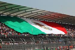 La bandera de México en las gradas