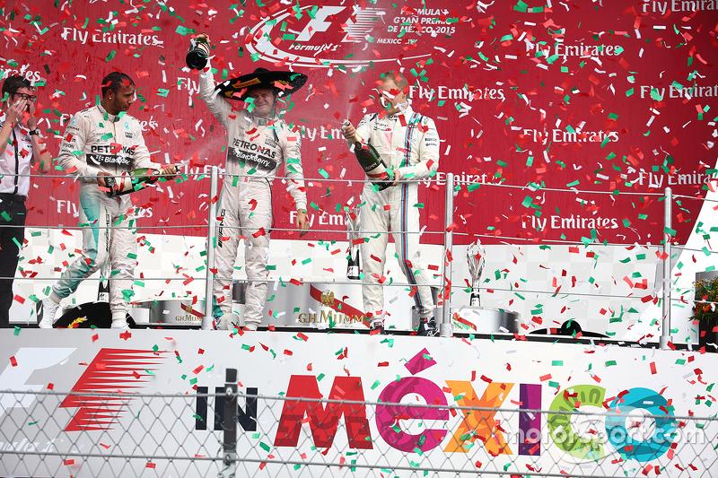 Podium: Race winner Nico Rosberg, Mercedes AMG F1 W06, second place Lewis Hamilton, Mercedes AMG F1