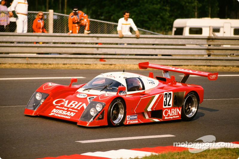 #32 Courage Compétition Nissan R 88 S: Takao Wada, Akio Morimoto, Anders Olofsson