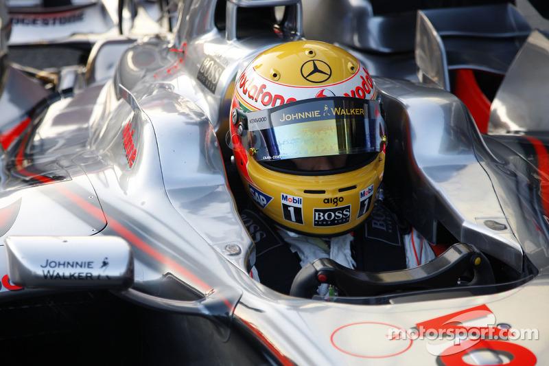 Lewis Hamilton test ediyoryeni McLaren Mercedes MP4-23
