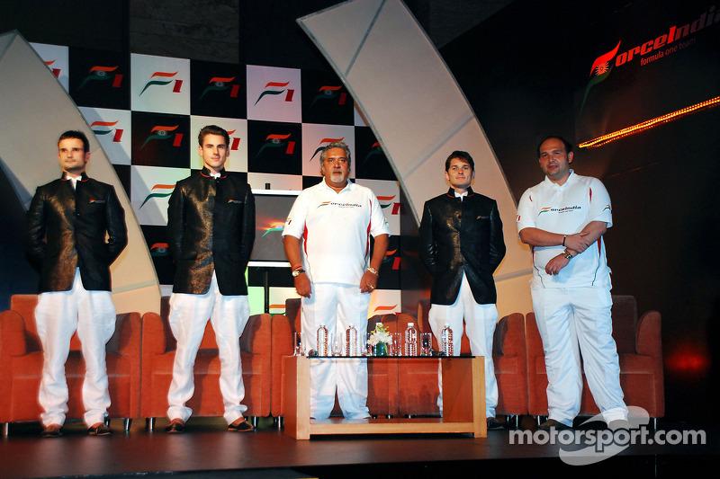 Vitantonio Liuzzi Force India F1, Adrian Sutil Force India F1, Vijay Mallya CEO Kingfisher, Giancarlo Fisichella Force India F1 and Dr Colin Kolles Force India Team Principal