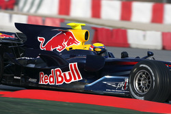 Mark Webber, Red Bull Racing, RB4, tests radical new engine cover