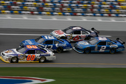 David Reutimann leads a group of cars