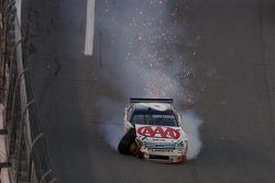David Ragan crashes