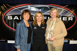 Sarah Fisher Racing press conference: Sarah Fisher with Lyn St. James and Janet Guthrie