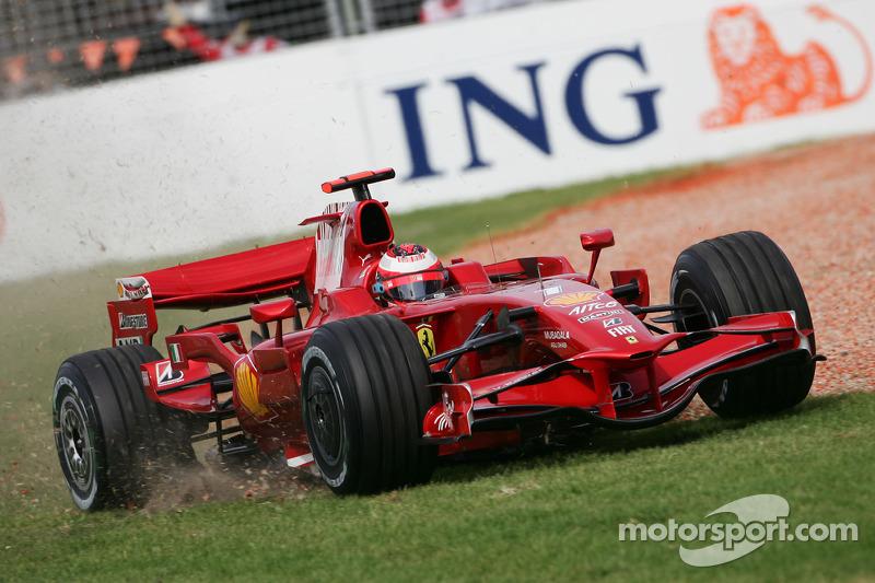 Kimi Raikkonen, Scuderia Ferrari in the gravel