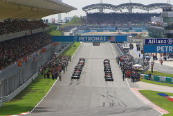 General view of the starting grid