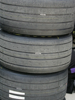 New grooved tires