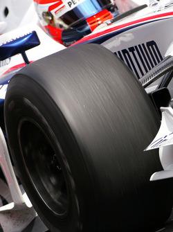 Robert Kubica, BMW Sauber F1 Team, on slicks