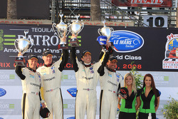 GT1 podium: class winners Johnny O'Connell and Jan Magnussen, second place Olivier Beretta and Oliver Gavin