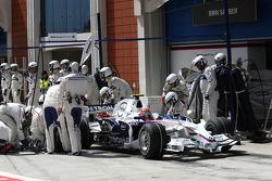 Robert Kubica, BMW Sauber F1 Team, F1.08 pit stop