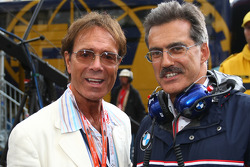 Cliff Richard and Dr. Mario Theissen, BMW Sauber F1 Team, BMW Motorsport Director