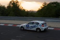 #264 Motorsport Arena Oschersleben BMW 130i: Emin Akata, Jürgen Dinstühler, Niclas Königsbauer