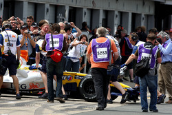 Fernando Alonso, Renault F1 Team and photograhers in the pitlane