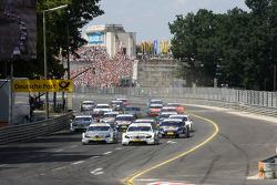 Start: Jamie Green, Team HWA AMG Mercedes, AMG Mercedes C-Klasse, Bruno Spengler, Team HWA AMG Mercedes, AMG Mercedes C-Klasse