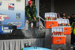 Ryan Hunter-Reay sprays champagne
