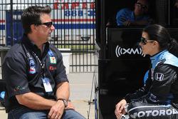 Michael Andretti talking with Danica Patrick