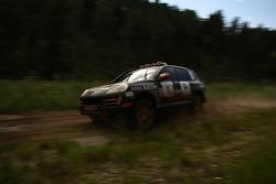 #8 Porsche Cayenne S Transsyberia: Ding Luo and Eddie Keng