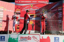 "Carrera 1 Pirelli. Primer lugar #55 Scuderia Autoropa Ferrari 458: ""Babalus"", segundo lugar #84 Octane 126 Ferrai 458 Bjorn Grossmann, tercer lugar #50 Ineco - MP Racing Ferrari 458 David Gostner"