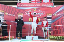 Подиум гонки 2 Pirelli AM EU: первое место - #92 Stratstone Ferrari Ferrari 458: Сэм Смит, второе место - #27 Rossocorsa - Pellin Racing Алессандро Веццони, третье место - #37 Scuderia Praha Ferrari 458 Ян Дэнис