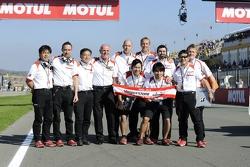 Bridgestone staff say goodbye to MotoGP