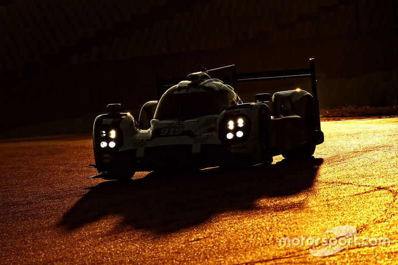 2. Porsche 919 híbrido pruebas al atardecer