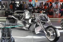 """Необычный мотоцикл на выставке """"Мотозима"""""""