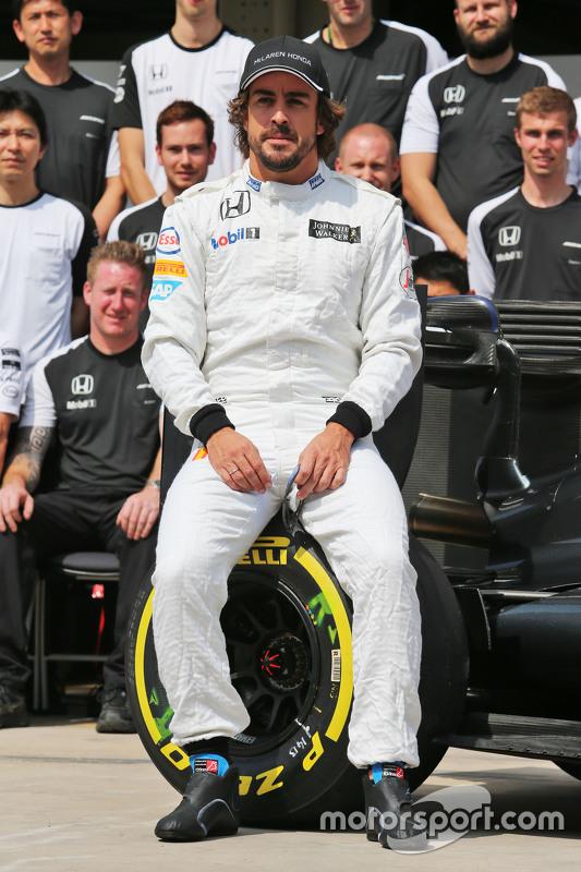 Fernando Alonso, McLaren op teamfoto