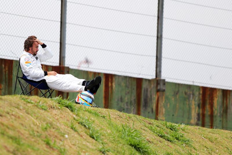 [Imagen: f1-brazilian-gp-2015-fernando-alonso-mcl...side-o.jpg]