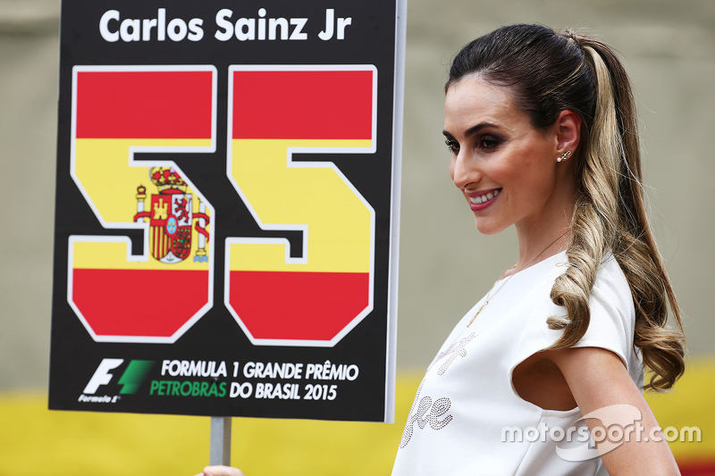 Gridgirl von Carlos Sainz Jr., Scuderia Toro Rosso